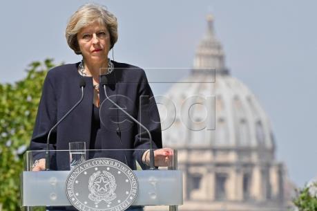 Thủ tướng Anh sẽ thắt chặt quy chế cấp thị thực làm việc và học tập