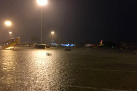 Hơn 70 chuyến bay đến Tân Sơn Nhất bị ảnh hưởng do mưa lớn