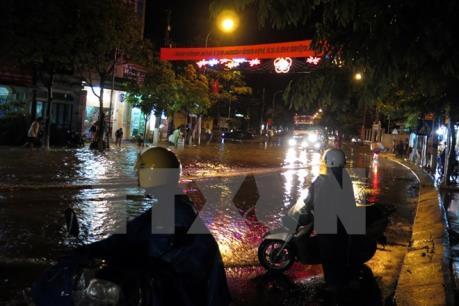 Dự báo thời tiết đêm 27/8: Hà Nội có mưa rào và dông rải rác
