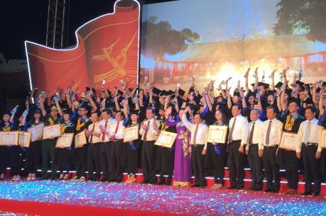 Hà Nội vinh danh các thủ khoa xuất sắc tốt nghiệp các trường đại học