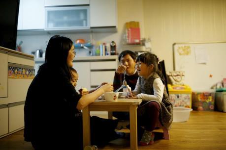 Kinh tế Hàn Quốc trước thách thức nợ hộ gia đình cao kỷ lục