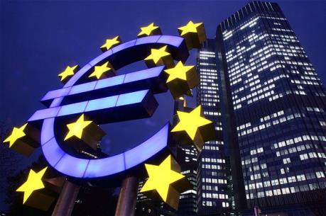 Lợi nhuận của các ngân hàng Eurozone giảm mạnh