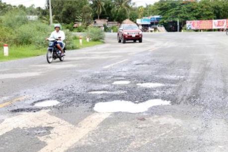 Sớm khắc phục tình trạng xuống cấp đoạn Quốc lộ 1A đi qua Bình Định