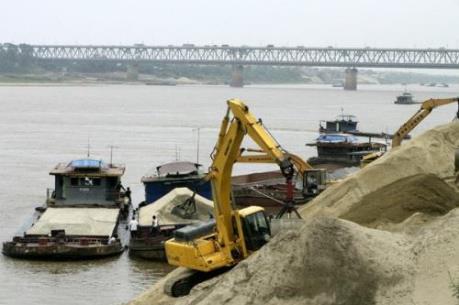 Bắc Giang loại bỏ bến bãi tự phát không trong quy hoạch đê điều