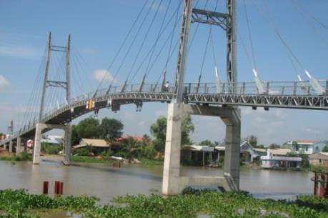 Đưa vào sử dụng cầu dây văng vượt sông Vàm Cỏ Tây