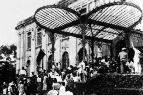 Khoảnh khắc lịch sử đáng nhớ mùa thu 1945