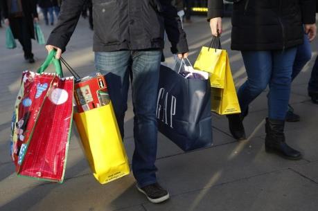 Người tiêu dùng Anh bớt lo ngại về triển vọng kinh tế