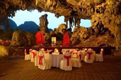 Chấm dứt hoàn toàn kinh doanh dịch vụ ăn uống trong hang động Hạ Long