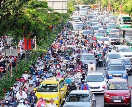 Cấm xe tải lưu thông trên đường kết nối vào sân bay Tân Sơn Nhất: Doanh nghiệp lên tiếng