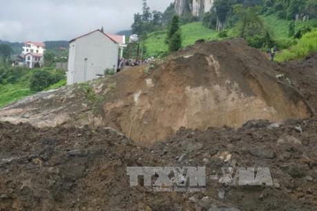 Lào Cai: Lở đất đá làm hai người chết và bị thương