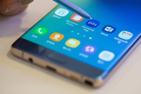 Khuyến cáo khách hàng về việc mang điện thoại Galaxy Note 7 lên máy bay