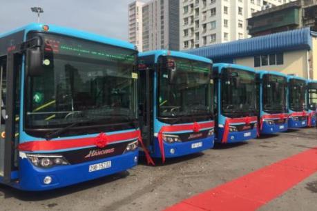 Hà Nội: Lần đầu tiên tuyến 36 sử dụng xe buýt mới hiện đại
