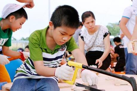 """Ford Việt Nam tổ chức """"Ngày hội vui chơi, em học làm thợ"""""""