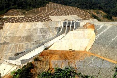 Vỡ đập nhánh thủy điện Sông Bung 2, hai công nhân mất tích