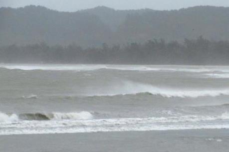 Dự báo 13h ngày 19/10: Tâm bão số 7 nằm trên vùng bờ biển Quảng Ninh- Hải Phòng