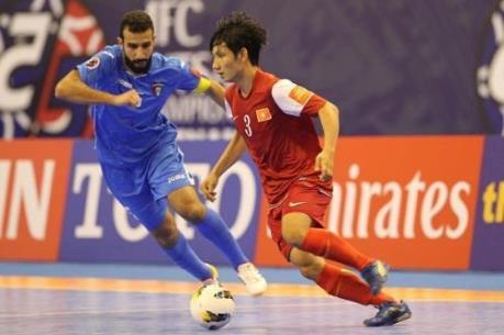 Futsal và bóng đá thông thường khác nhau ở điểm nào?