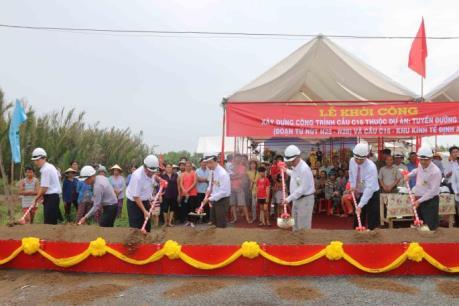 Hơn 330 tỷ đồng xây dựng cầu Khu kinh tế Định An