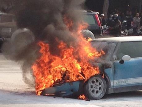 Cháy xe ô tô ở Cảng Hàng không quốc tế Nội Bài, một người tử vong