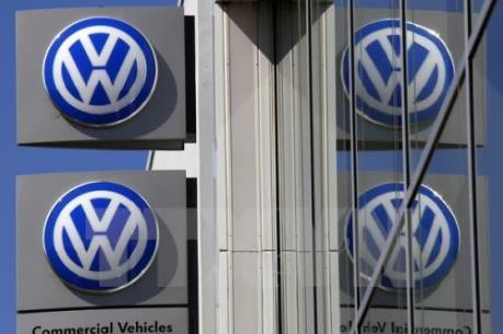 """Volkswagen tiếp tục bị vụ gian lận khí thải """"đeo bám"""""""
