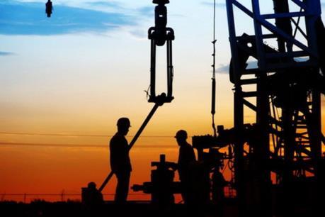 Giá dầu thế giới ngày 19/9 đi lên