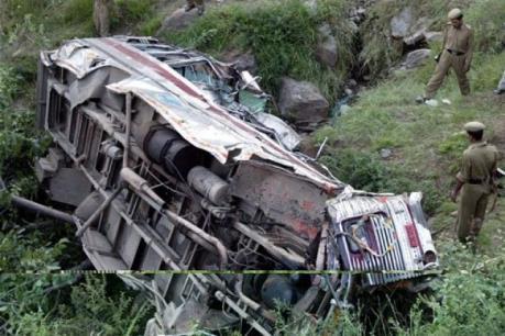 Tai nạn đường bộ kinh hoàng ở Ấn Độ