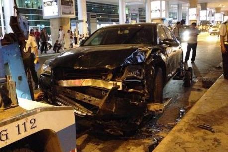Tài xế gây tai nạn ở sân bay Tân Sơn Nhất lĩnh 3 năm tù