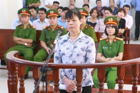 Bị cáo Cấn Thị Thêu bị phạt 20 tháng tù về tội Gây rối trật tự công cộng