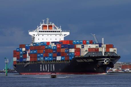 """Các ngân hàng Đức """"đau đầu"""" vì nợ xấu của các hãng tàu biển"""