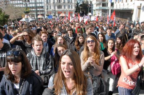 """Người dân EU có thể kiện các biện pháp """"thắt lưng buộc bụng"""""""