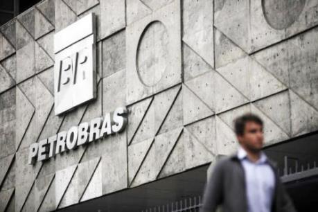 Petrobras cắt giảm 25% vốn đầu tư giai đoạn 2017-2021