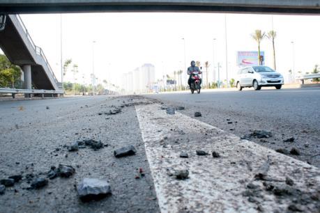 Hà Nội: Tài xế taxi tử vong bất thường tại cầu Nhật Tân