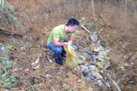 Bộ Y tế yêu cầu làm rõ vụ Bệnh viện Đa khoa Đà Bắc chôn lén rác thải y tế
