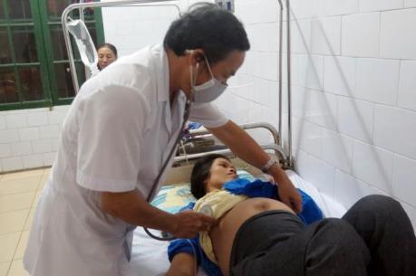 86 người có triệu chứng ngộ độc thực phẩm đám cưới tại Nam Định