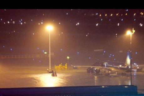 """Trận mưa chiều 26/9 đã """"nhấn chìm"""" giao thông Tp. Hồ Chí Minh như thế nào?"""