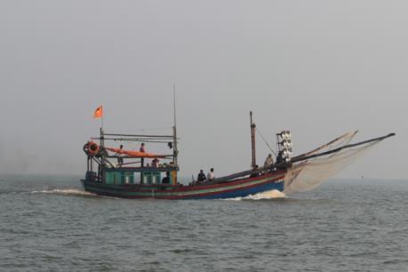 Bình Định: Cấp cứu một thuyền viên bị đứt bàn chân trái