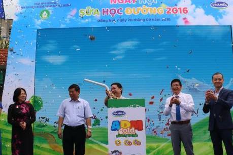 Vinamilk khởi động chương trình sữa học đường năm học 2016-2017