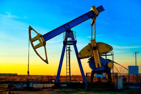 Giá dầu tăng gần 6% sau khi OPEC đồng thuận giảm sản lượng