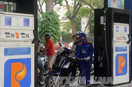 Petrolimex khuyến mại 300 - 400 đồng/lít xăng