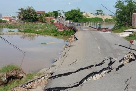 Sạt lở nghiêm trọng tại khu vực cầu phao sông Hóa nối giữa Thái Bình và Hải Phòng