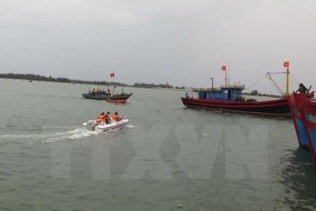 Kêu gọi khẩn cấp cứu nạn các tàu cá bị trôi dạt trên biển