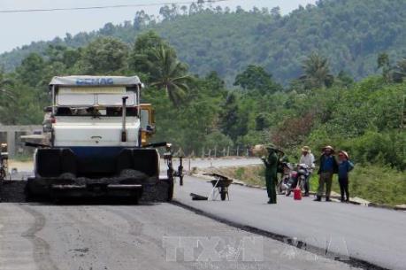 Đầu tư dự án đường Hồ Chí Minh đoạn La Sơn - Túy Loan