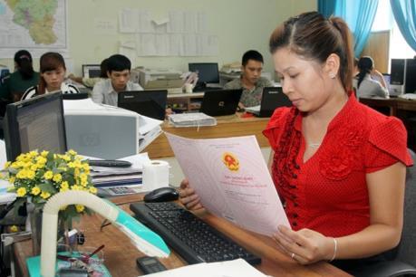 """Hà Nội dự kiến cấp """"sổ đỏ"""" qua mạng cho cá nhân vào tháng 10"""