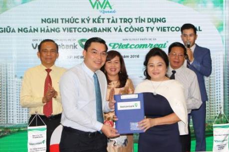 """Vietcombank """"bơm"""" gần 1.500 tỷ đồng cho nhiều dự án bất động sản"""