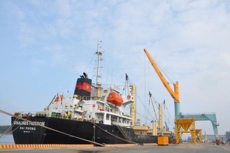 9 tháng, giá trị xuất nhập khẩu hàng hóa ước đạt 253,65 tỷ USD