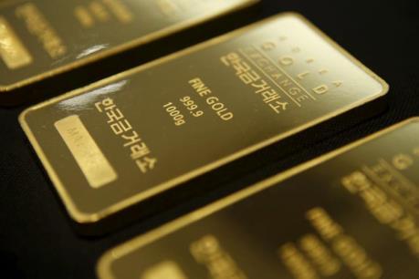 Giá vàng giảm do đồng USD vững