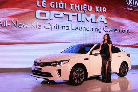 Trường Hải ra mắt Kia Optima 2016 nội giá bán từ 915 triệu đồng