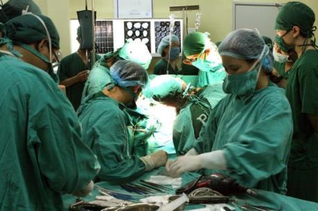 Bệnh viện Đa khoa Phú Thọ thực hiện thành công ghép thận không cùng huyết thống