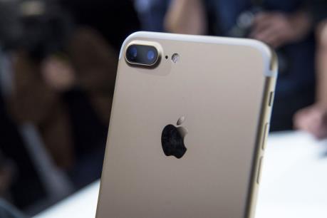 Kiểm tra độ bền nắp ống kính iPhone