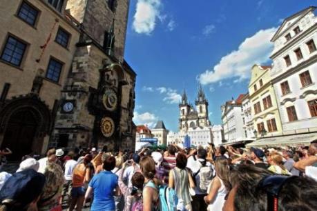 Séc phạt nặng lỗi kỳ thị khách nước ngoài