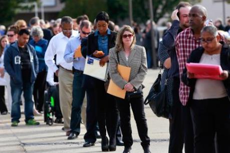 Kế hoạch hạn chế người nước ngoài làm việc tại nước Anh gây tranh cãi